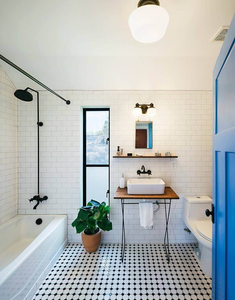 baie alb-negru