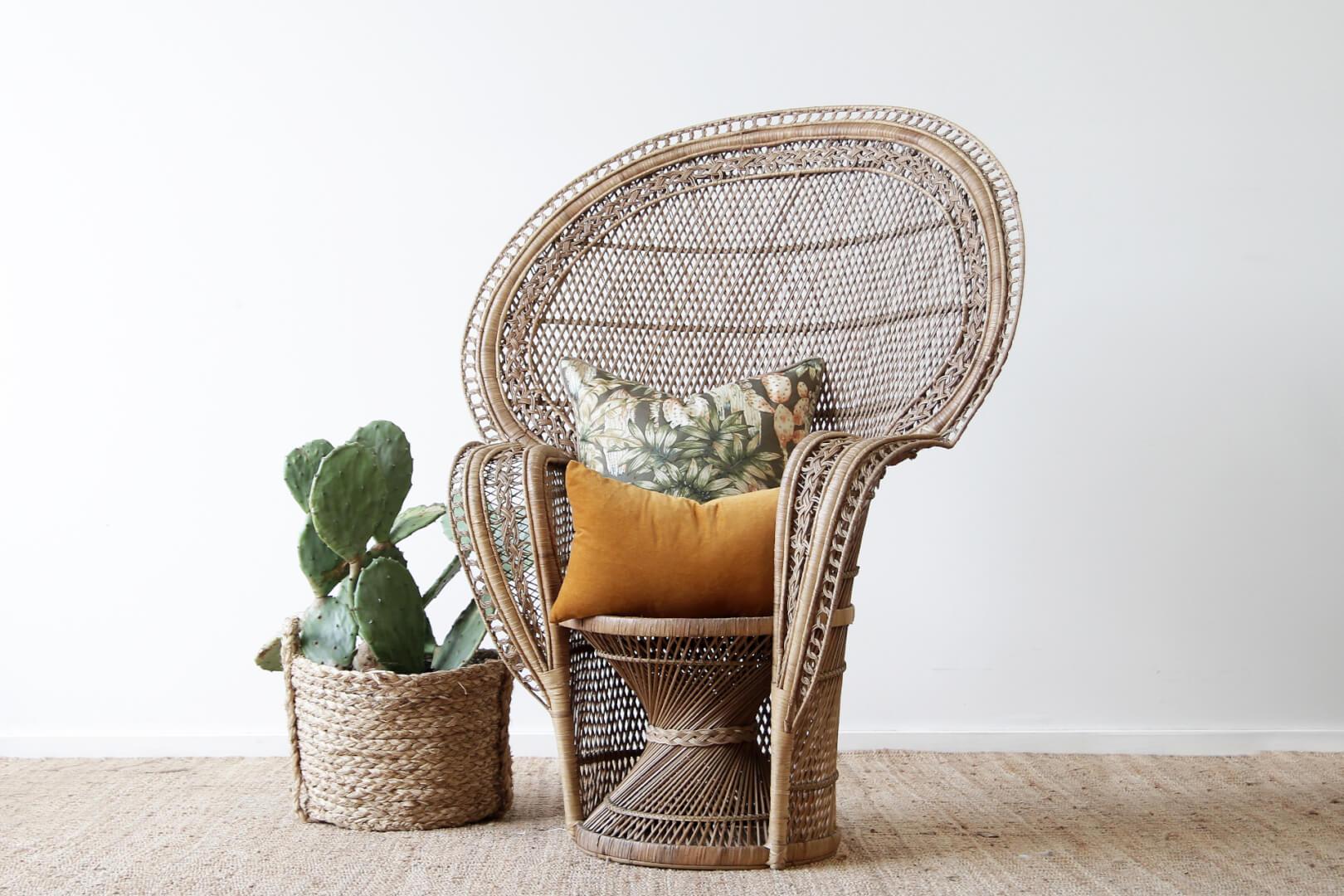 peacock scaun