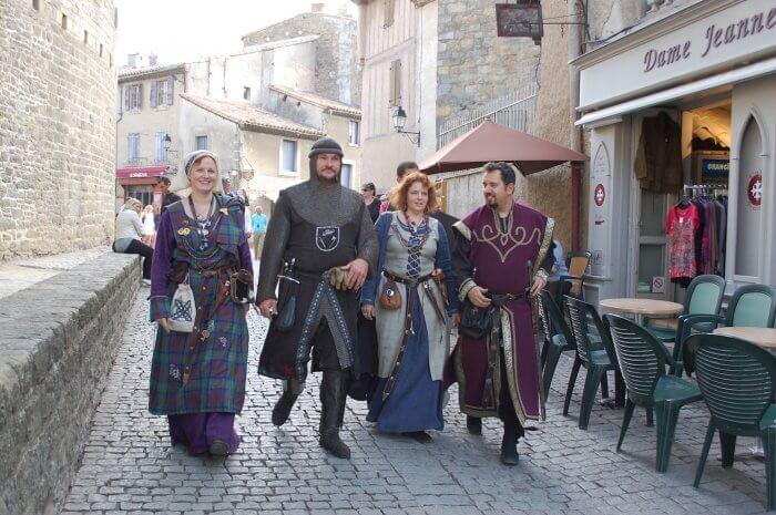 ținute medievale
