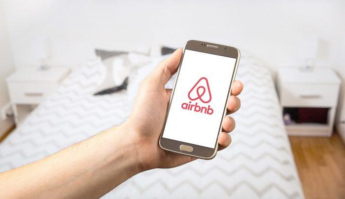 airbnb concediu