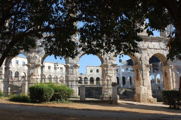 amfiteatru pula