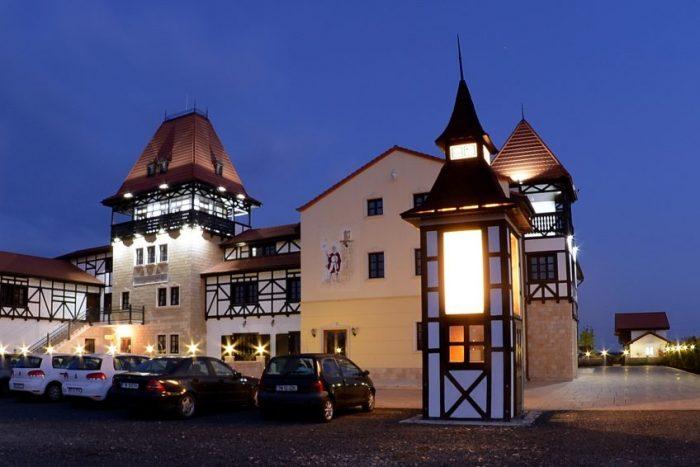 castel royal moșnița